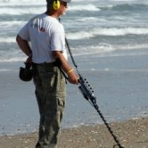 beach metal detecting